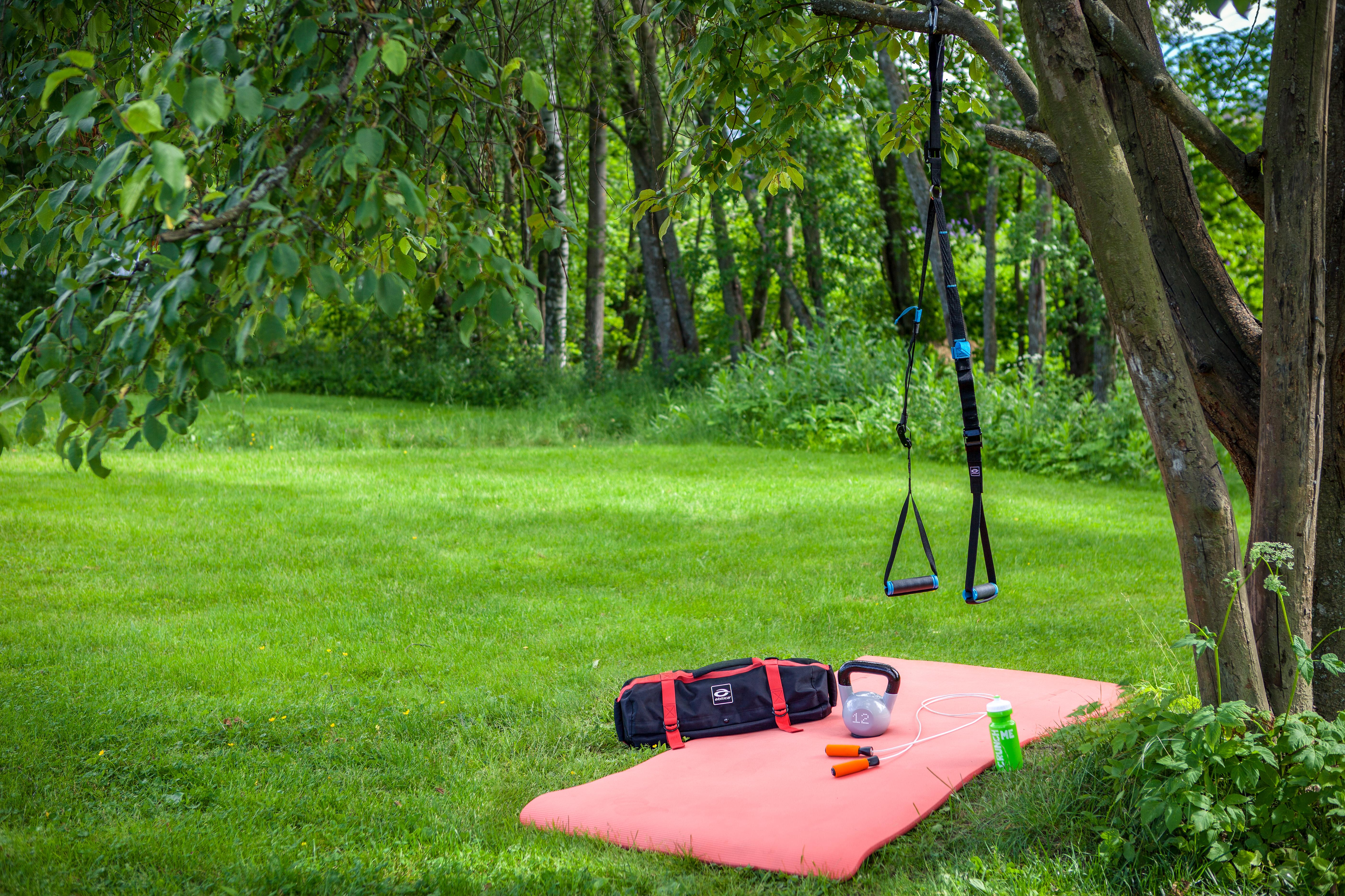 Flytta ut träningen i trädgården!