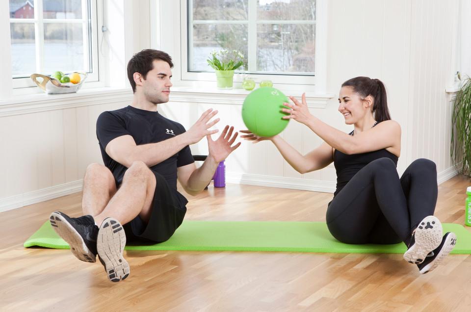 Bli starkare med medicinboll
